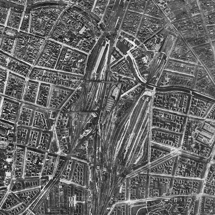 Aerial photograph taken in 1928, with Anhalter Bahnhof, Anhalter Güterbahnhof (freight railwaystation) and the Yorckbrücken